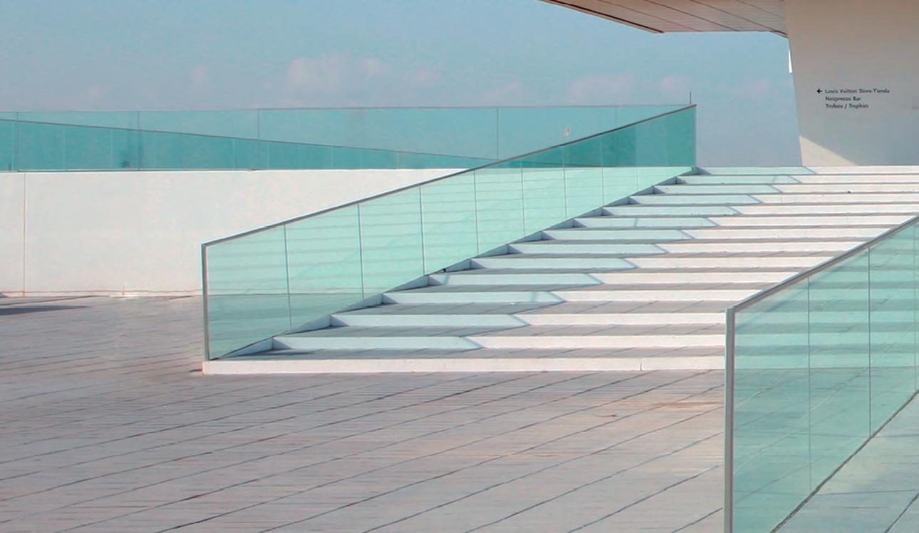 Barandillas y escaleras vidrosvazquez for Barandilla escalera exterior