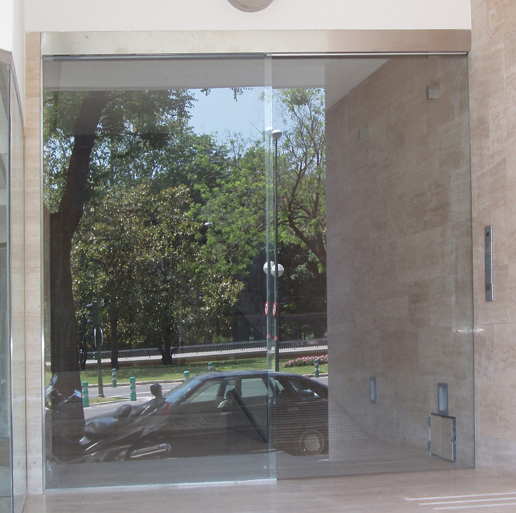 Vidrio para puertas correderas vidrosvazquez - Puerta corredera cristal bano ...