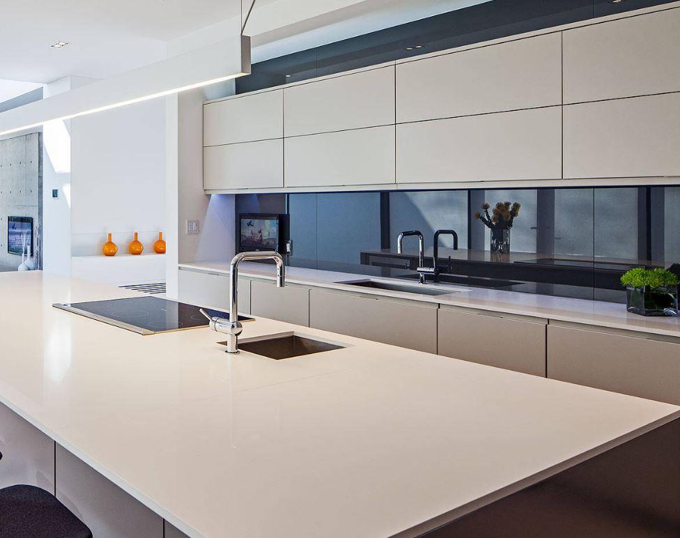 Frentes de vidrio para cocinas vidrosvazquez - Cocinas con pared de cristal ...