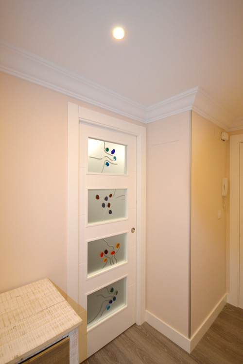 Resinas para puertas vidrosvazquez for Cristales para puertas de interior